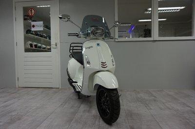 Vespa Sprint Bianco Lusso Wit Custom