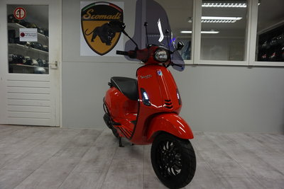 Vespa Sprint Dragon Rosso Black Sport Rood Custom