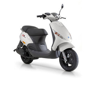 piaggio zip 4t scooter wit scooter loods. Black Bedroom Furniture Sets. Home Design Ideas