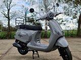 Capri V2s Grijs EFI + Windscherm + Kettingslot 180 cm ART 4 - Nardo Grey E5 Injectie_