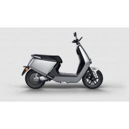 Yadea G5 mat zilver Elektrische scooter RIJKLAAR + €500,- CASHBACK!