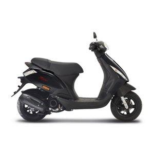 Piaggio Zip Zwart E5 - Nero Lucido IGET